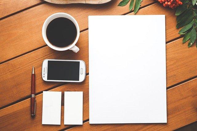 Quelle est la position recommandée pour travailler sur un ordinateur portable ?