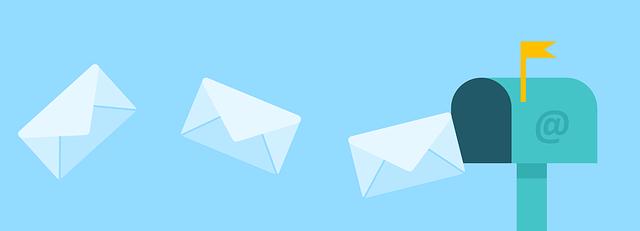 Comment appelle-t-on un courrier électronique non sollicité envoyé en grande quantité et à des fins publicitaires ?